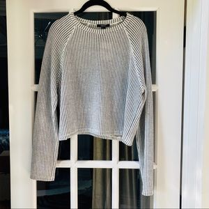 NWT FOREVER 21 Black & White Cropped Knit Top
